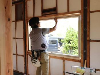 新規窓枠取付→