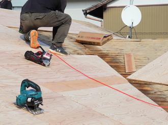 屋根工事【野地板】