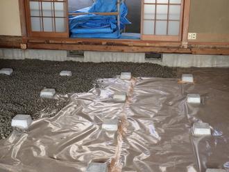 砂利敷き →