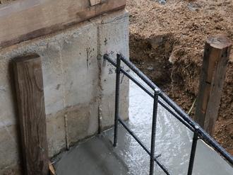 基礎ベースコンクリート打設