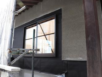 外壁 アスファルトフェルト施工後