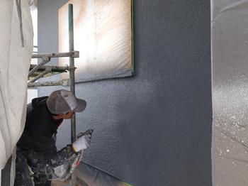 外壁塗装 仕上施工